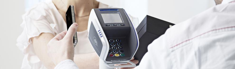 Betaling med mobiltelefon - NFC - Butikkdata betalingsterminaler datakasse betalingsløsning betalingsterminal butikkdatautstyr